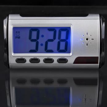 Часы с видеокамерой настольные